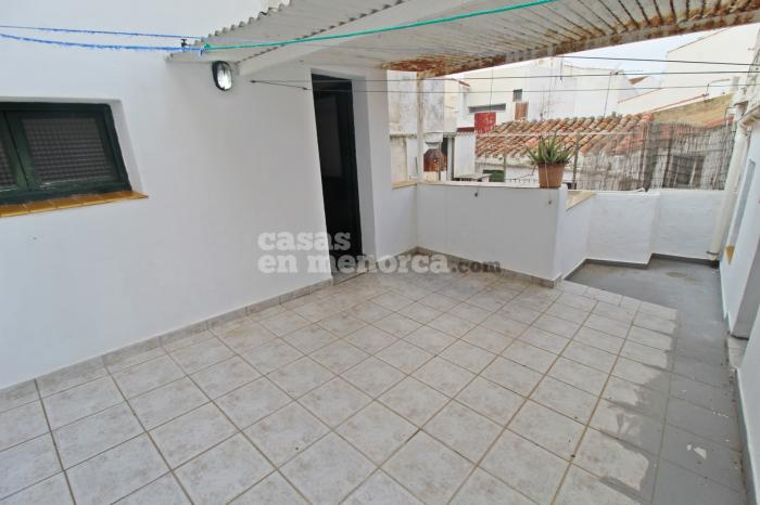 Townhouse on two floors plus terrace in the centre of Mahón - Ref. 2457