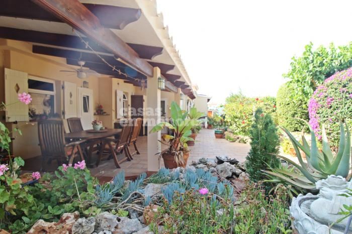 Magnificent very private villa with a spacious garden and pool in Binixica - Ref. 3081