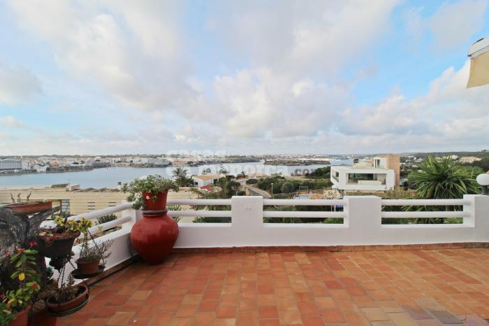 Villa with stunning views over the Port of Mahón in Cala Llonga - Ref. 3262