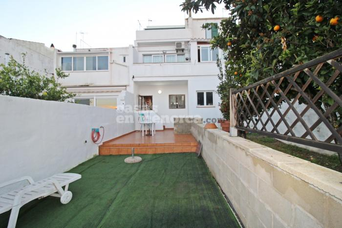 Spacious first floor with garage and private garden in Mahón centre - Ref. 3266
