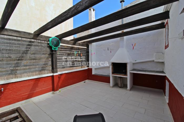 Bella casa con garage, patio e terrazza in centro a Mahón - Ref. 3374