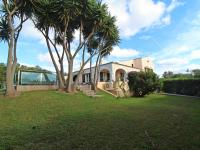 Spectacular villa with tourist license and sea views in Punta Prima - Ref. 2441