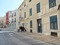 Building located on a corner in the commercial centre of Mahónof  - Ref. 2578