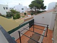 Appartamento dúplex con grande patio, garage e piscina in Es Castell - Ref. 2856